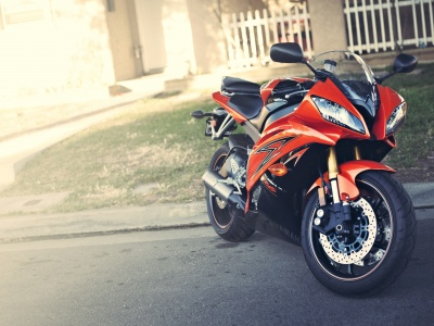 2009 Yamaha YZF-R6 Orange (click to view)
