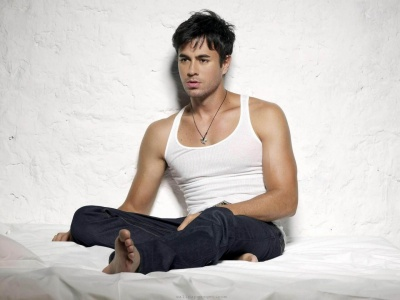 Celebrity Enrique Iglesias Wallpaper Muisc Man (click to view)