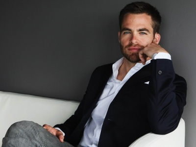 Chris Pine (click to view)