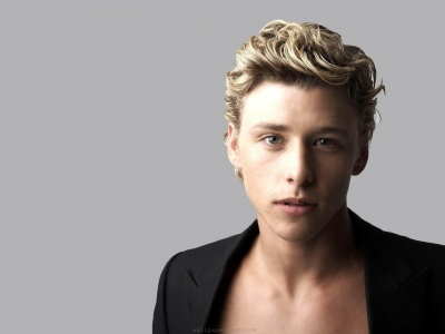 Mitch Hewer Golden Hair Clear Gray Blue Eyes Britain Actor Niche (click to view)