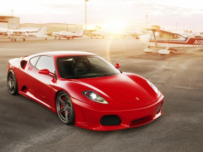 Red Ferrari 430 Scuderia (click to view)