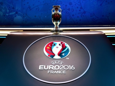 UEFA EURO 2016 Trophy (click to view)